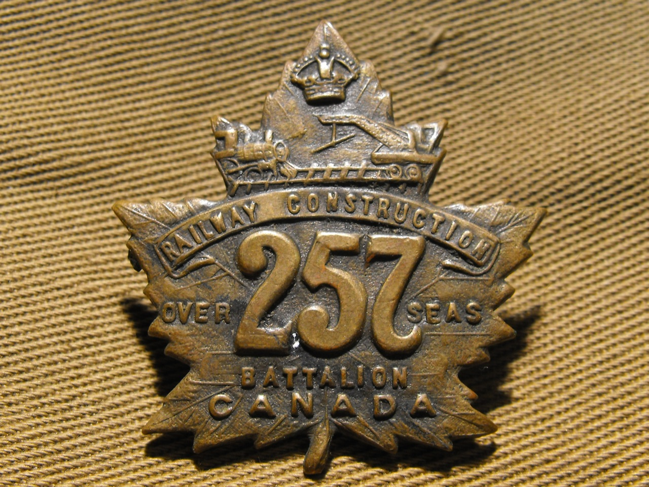 257th (Railway Construction) Bn. Cap Badge