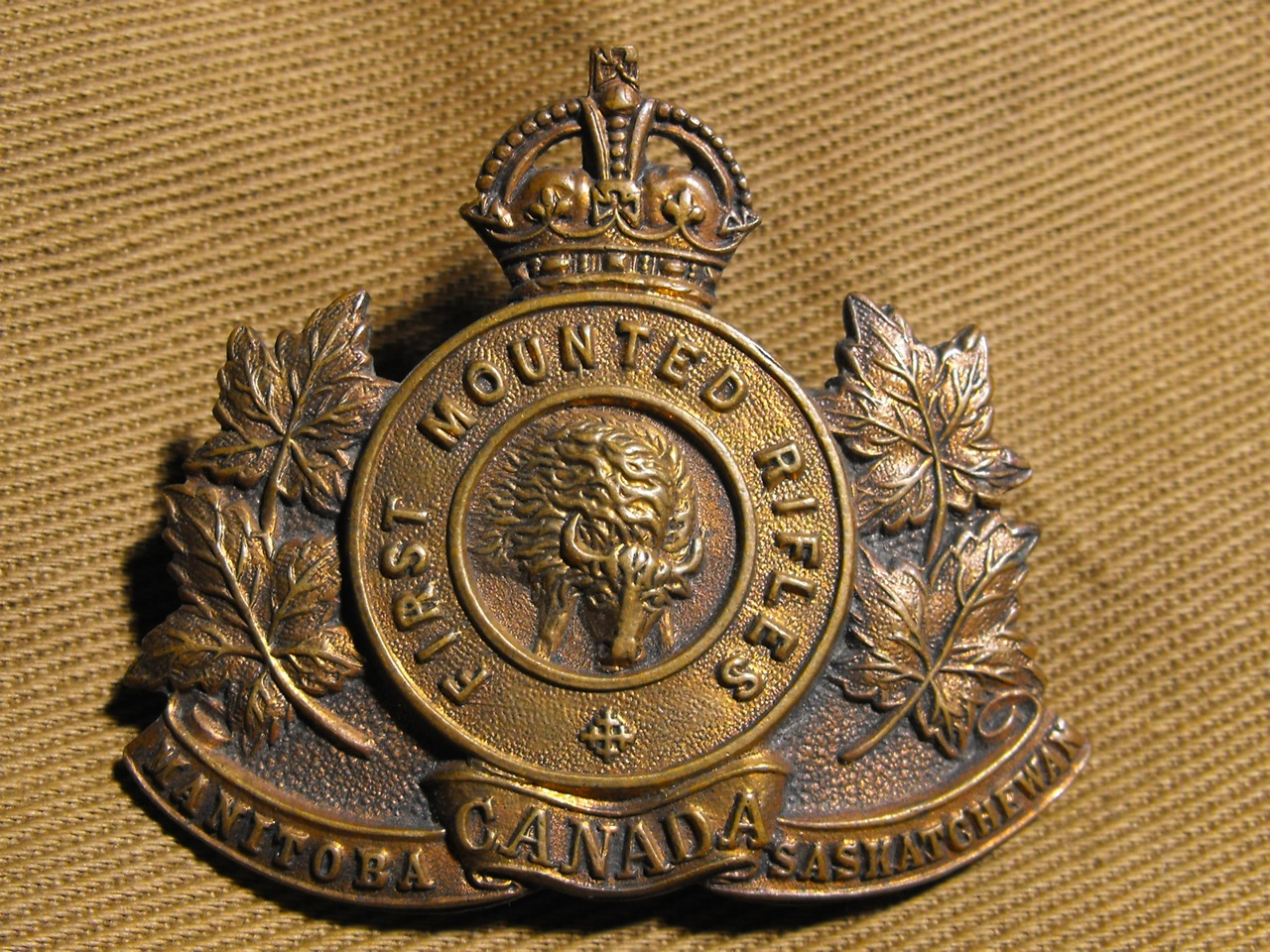 1st CMR Cap Badge